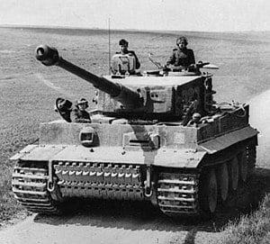 300px-bundesarchiv_bild_101i-299-1805-16_nordfrankreich_panzer_vi_tiger_i-2