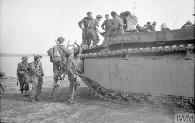 Rhine crossing 24 March 1945 IWM BU 2078